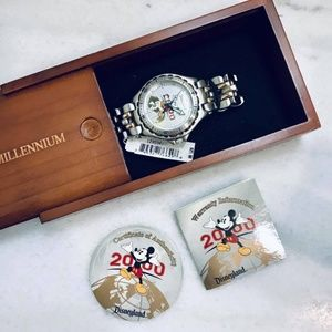Disneyland Watch Millenium Silver Gold Link 2000